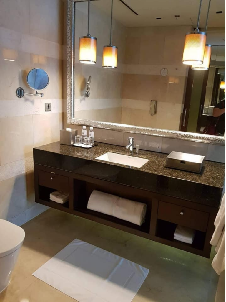 bathroom cleaning, house cleaning san diego